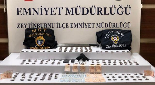 Zeytinburnu'nda meyve sandıklarının arasında uyuşturucu ele geçirdi