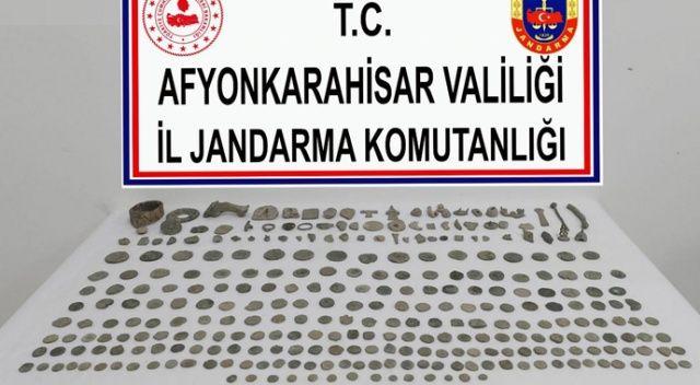 239 adet sikke ve 70 adet tarihi obje ele geçirildi