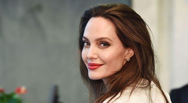 'Angelina Jolie, Eternals filmi için fikrimi çaldı'
