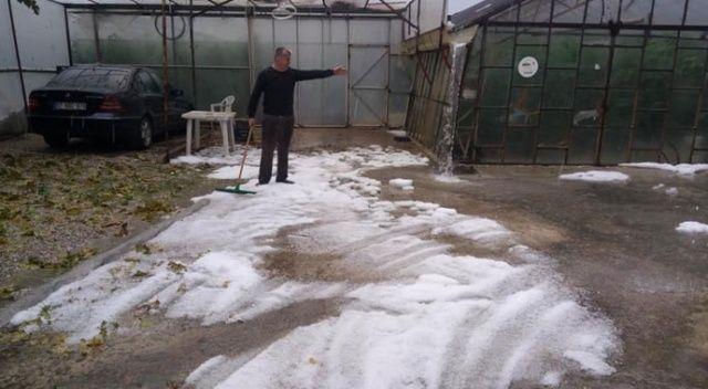 Antalya'da fındık büyüklüğünde dolu yağdı