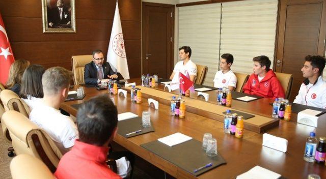 """Bakan Kasapoğlu: """"Olimpiyatlar hepimiz için önemli bir misyon"""""""