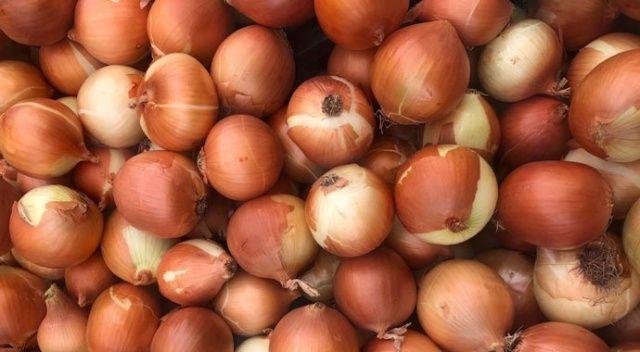 Bangladeş'te karakolda soğan satışı başlıyor