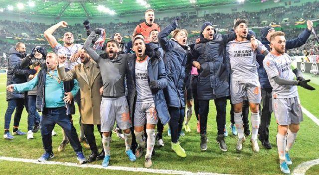 Başakşehir Avrupa'da Türk futbolunun prestijini kurtardı