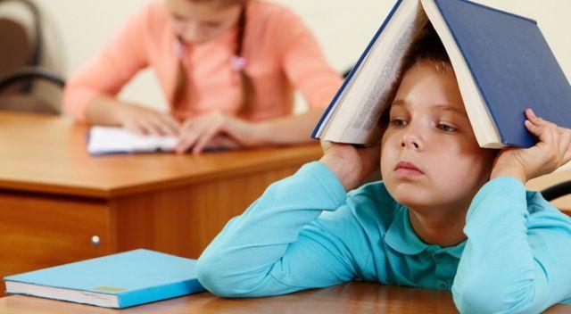 Çocuklarda dikkat dağınıklığı okulu bırakma nedeni