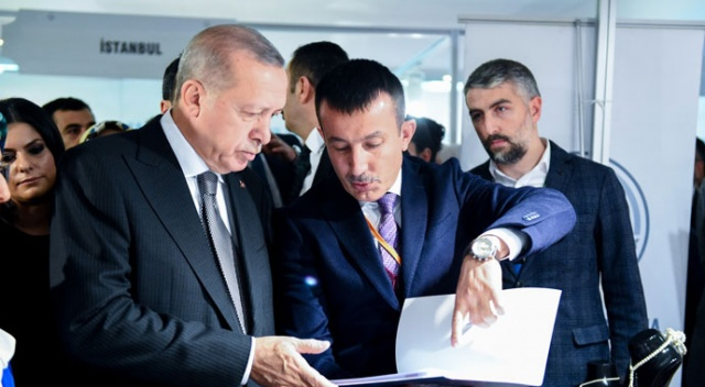 Cumhurbaşkanı Erdoğan 6. Kadın Şurası'nda Altındağ standını ziyaret etti