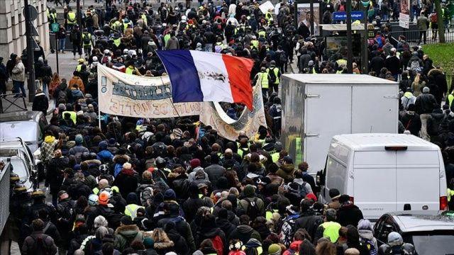Fransa'da Macron karşıtları yine sokağa çıkacak