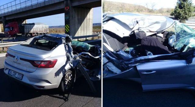 Mersin'de feci kaza! Otomobil tıra çarptı: 1 ölü, 3 yaralı