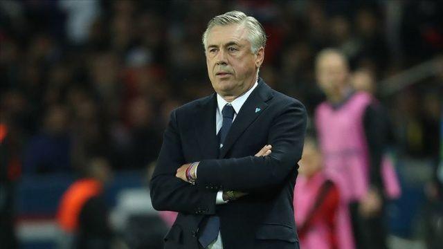Napoli teknik direktör Carlo Ancelotti ile yollarını ayırdı