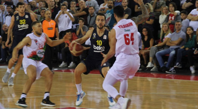 Pınar Karşıyaka, Fenerbahçe Beko'yu devirdi