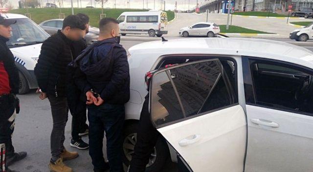 Polisten kaçtı, kıskıvrak yakalandı! Aracından yarım metrelik döner bıçağı çıktı