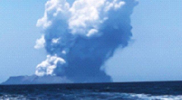 Turistler volkan kurbanı!