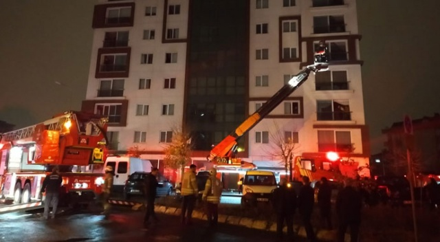 Ümraniye'de apartman yangını