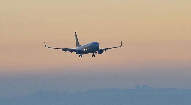 ABD'de acil iniş yapan uçak yakıtını okulun üstüne boşalttı: 23 yaralı