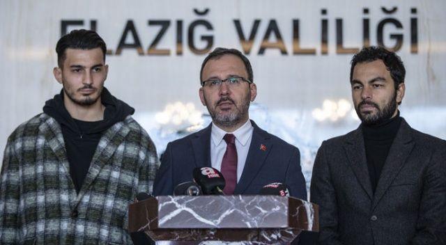 Bakan Kasapoğlu, futbolcularla depremin yaşandığı Elazığ'da