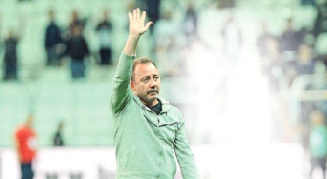 Beşiktaş Sergen'e emanet