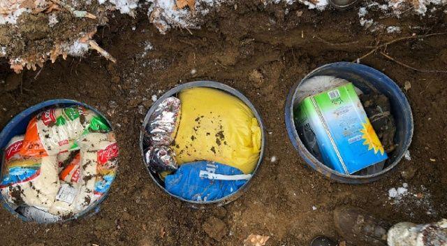 Bitlis'te terör örgütünce araziye gizlenmiş 955 kilogram gıda malzemesi ve silah ele geçirildi. ile ilgili görsel sonucu
