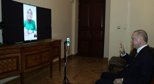 Cumhurbaşkanı Erdoğan, bilgi yarışmasına katılan Ümmü Gülsüm ile görüştü