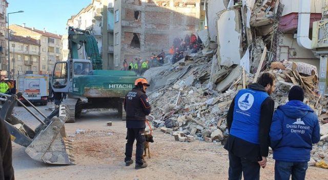 Deniz Feneri Derneği deprem bölgesine yardım malzemesi gönderdi