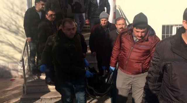 Elazığ'da bir kişi, üvey ağabeyini öldürdü