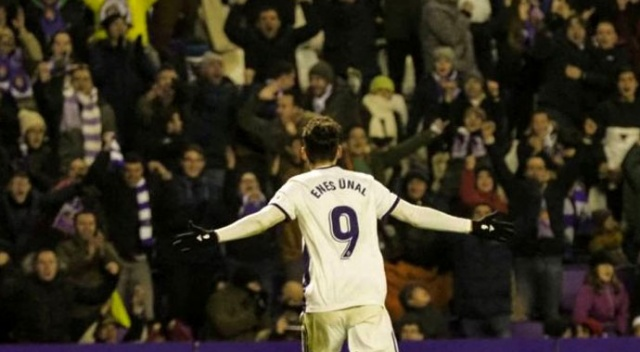 Enes Ünal, attığı 2 golle Valladolid'in tur atlamasını sağladı