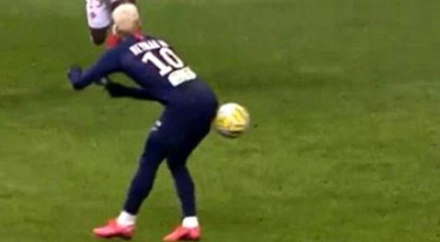Neymar'ın Reims maçında kalçasıyla attığı pas, sosyal medyada gündem oldu