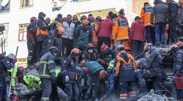 Sağlık Bakanı Koca'dan deprem açıklaması