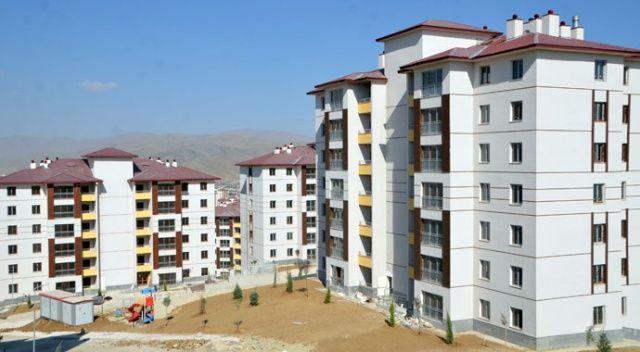 TOKİ Arnavutluk'ta yaraları sarıyor