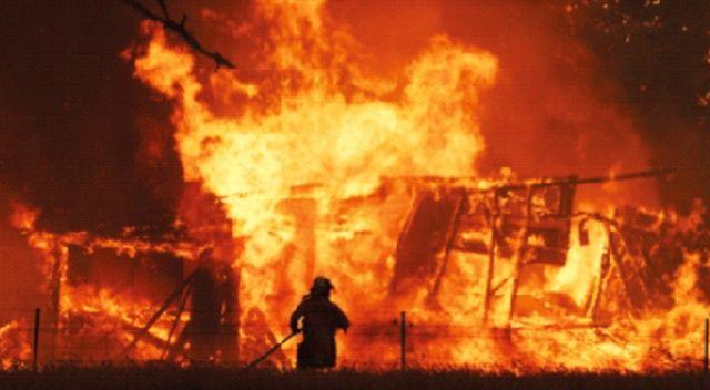 Yangınları söndüremeyen Avustralya: Çaresiz kaldık kaçın