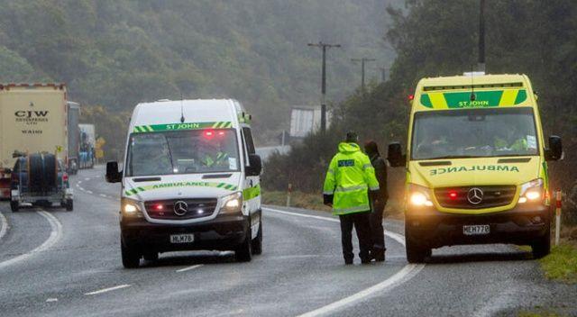 Yeni Zelanda'da turistleri taşıyan otobüs devrildi: 20 yaralı