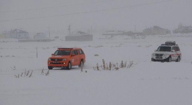 32 kişilik ekip çığ bölgesine gitmek üzere yola çıktı