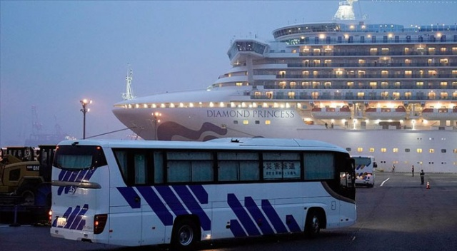 ABD koronavirüs nedeniyle gemiden tahliye ettiği vatandaşlarını karantinaya aldı