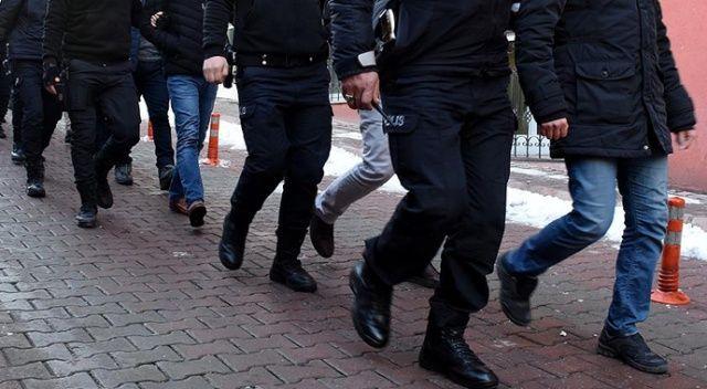 Adana ve İstanbul'da, iş adamlarının imzalarını taklit edip sahte senet düzenlediği ileri sürülen suç örgütüne yönelik operasyonda 10 şüpheli yakalandı.