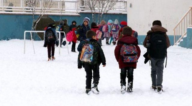 Ağrı'da okullar tatil edildi
