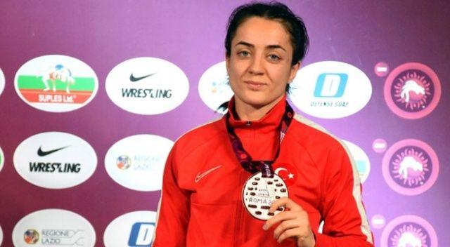 Avrupa Güreş Şampiyonası'nda Bedia Gün bronz madalya kazandı