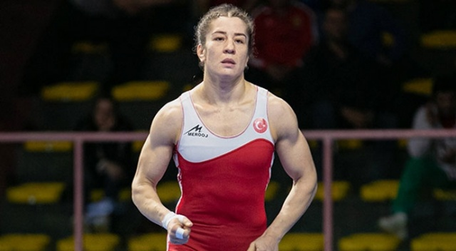 Avrupa Güreş Şampiyonası'nda Yasemin Adar gümüş madalya kazandı
