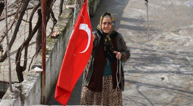 """Belediyeden vatandaşlara """"Türk Bayrağı asın"""" anonsu"""