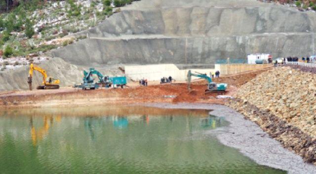 Çatlak sebebiyle baraj boşaltılıyor