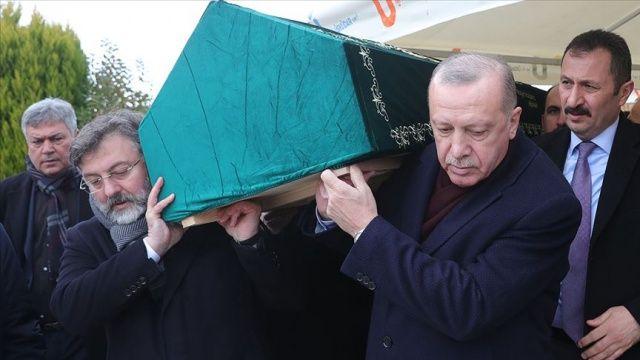 Cumhurbaşkanı Erdoğan İstanbul'da cenaze namazına katıldı
