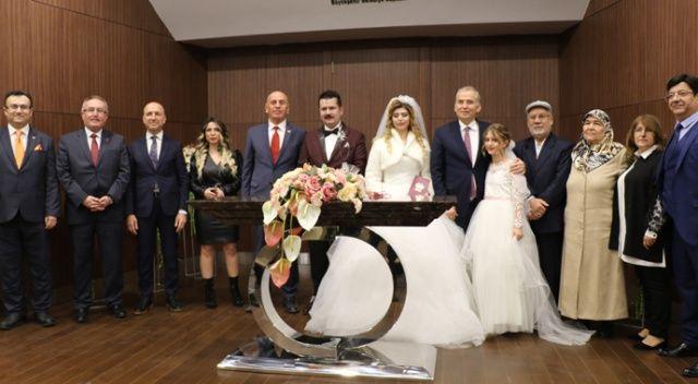 Denizli'de 30'a yakın çift 'Sevgililer Günü'nde dünya evine girdi
