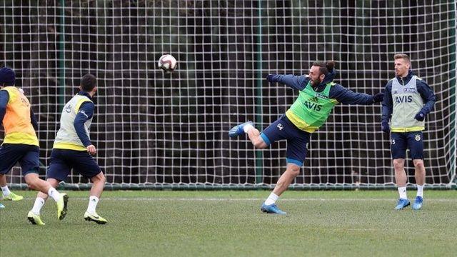 Fenerbahçe, derbi hazırlıklarına devam ediyor