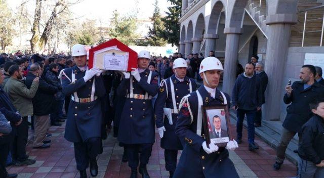 Geçirdiği kalp krizi sonrası hayatını kaybeden uzman asker toprağa verildi