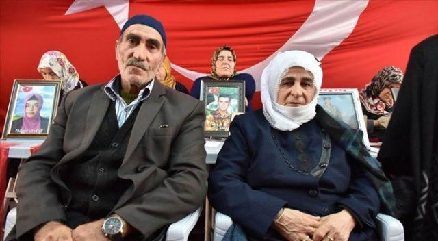 HDP önünde eylem yapan bir aile daha evladını terörün pençesinden kurtardı