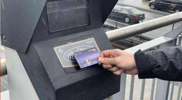 İBB'nin metrobüs durakları arasındaki yüzde 79 zam oranına vatandaştan tepki