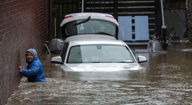 İngiltere'de 'Dennis Fırtınası' 3 kişinin ölümüne yol açtı