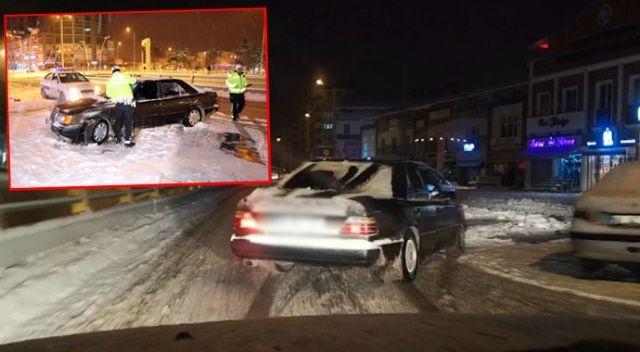 Karlı yolda drift atan alkollü stajyer sürücü: Hava karlı, kar lastiğim yok