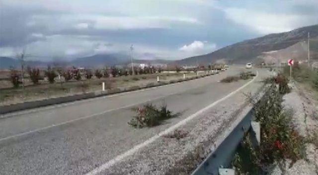 Lodos trafiği tehlikeye düşürünce devreye jandarma girdi
