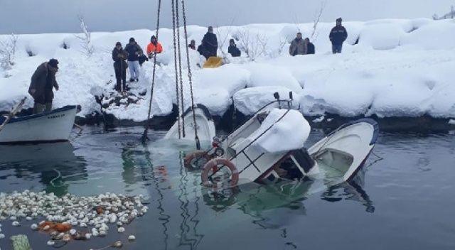 Trabzon'da kar iki tekneyi batırdı