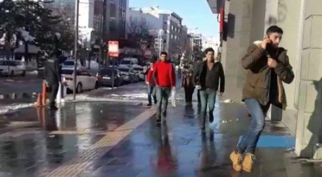 Van'da bomba paniği