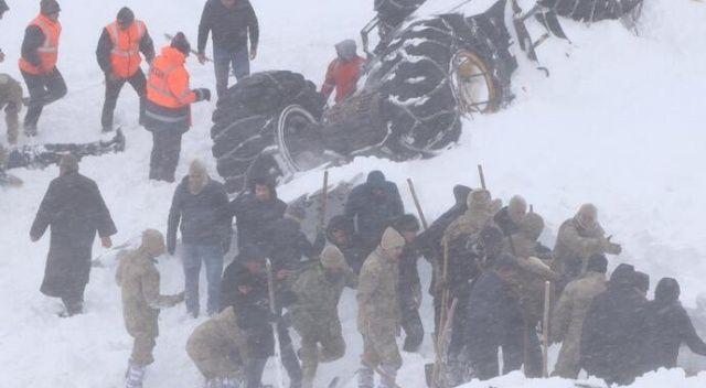 Van'da ekipler facia bölgesine ulaşmaya çalışıyor!
