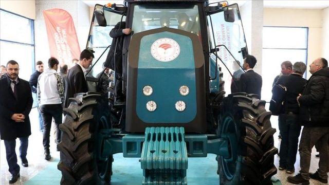 Yerli ve milli elektrikli traktör Kayseri'deki tarım fuarında görücüye çıktı